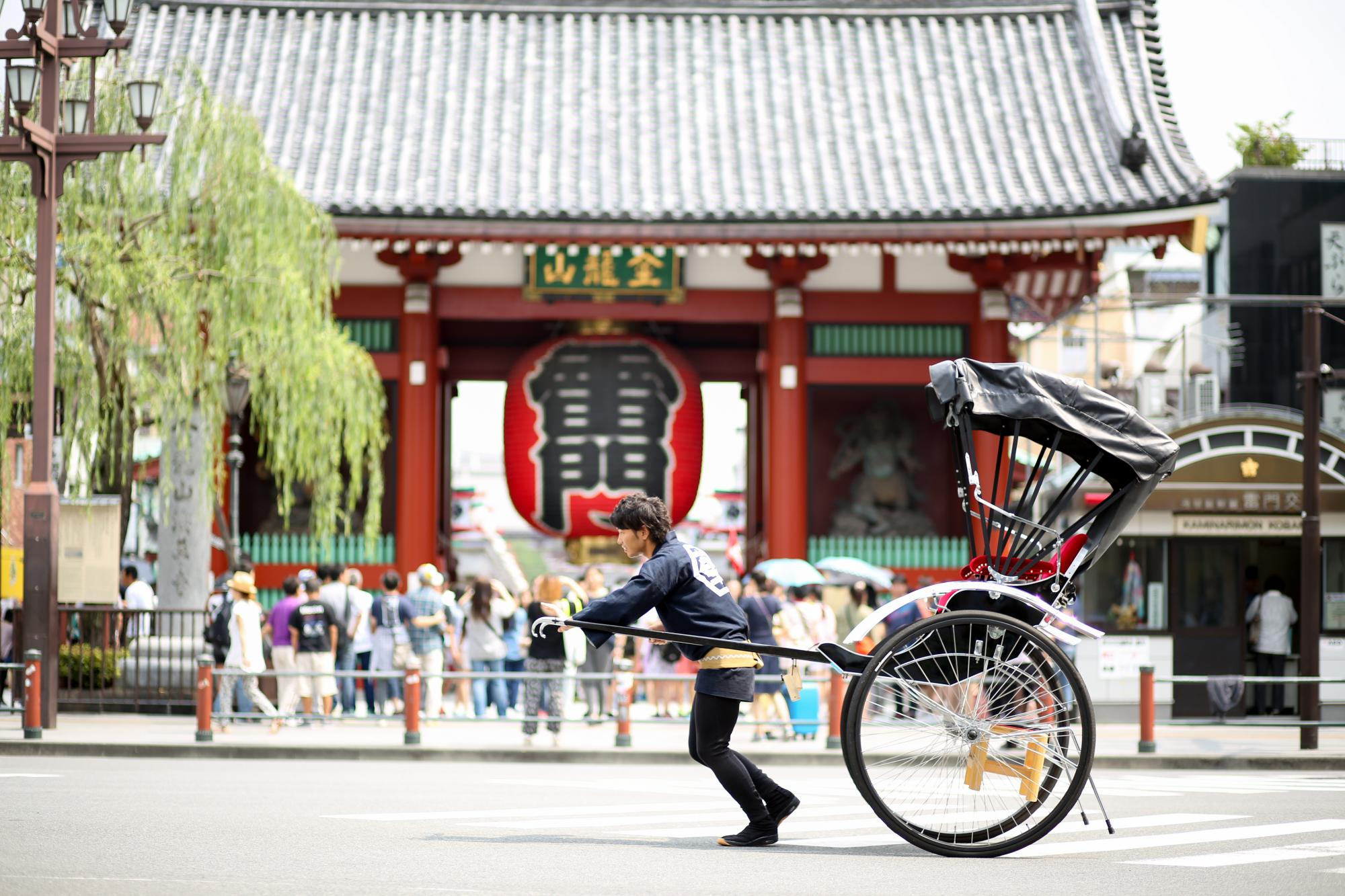 things to do in asakusa - ride a rickshaw